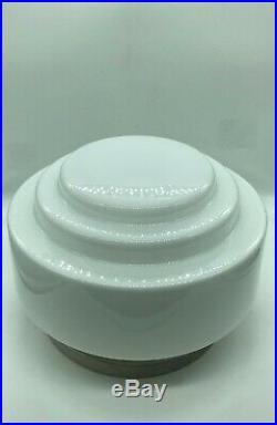 1930 Applique, Plafonnier En Opaline Diamètre 31 Cm. Hauteur 23 CM
