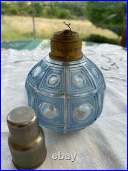 Belle et rare lampe Berger ancienne en verre moulé pressé bleuté motif art déco
