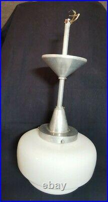 Globe verre Skyscarper blanc opaline art deco lustre suspension métal Bauhaus