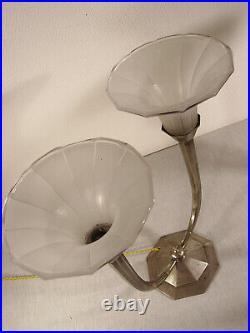 Grande paire de lampes doubles art déco bronze argenté & tulipes en verre pressé