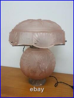 Lampe Art Deco en bronze et verre moulé rose muller freres luneville