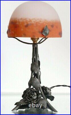 Lampe Art nouveau / Art déco fer forgé pâte de verre Degué ERA Daum Muller