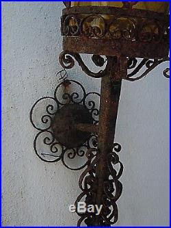 Lanterne applique fer forge ouvrage verre lumiere jaune orange