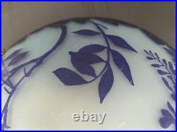 Lustre en pâte de verre art déco, signé YVON