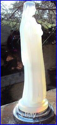 Rare Etling France Sainte Therese Des Roses Verre Opalescent Art Déco 23 CM